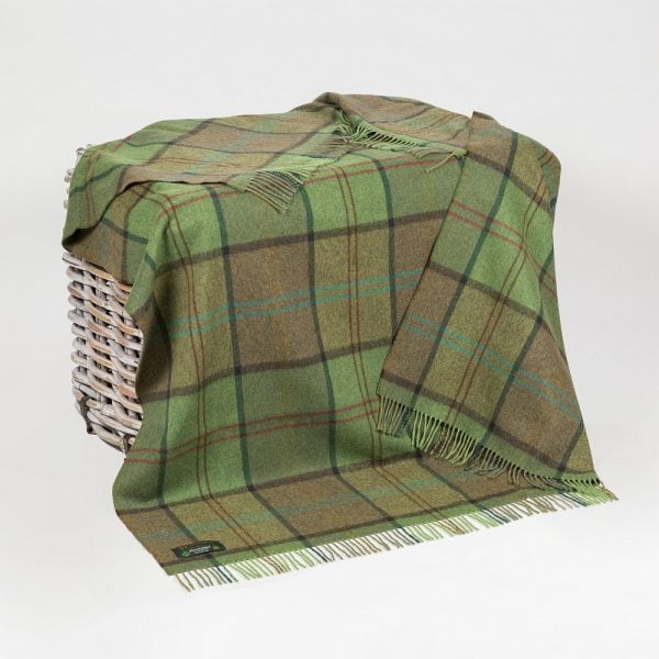 Lambswool 100% Throw Green Earthly Check