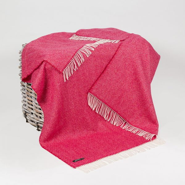 Oversized Cashmere Throw Raspberry Herringbone