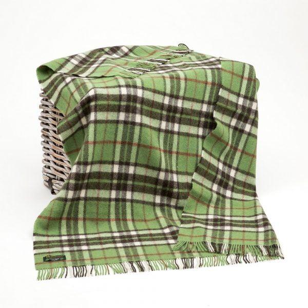 Large Irish Picnic Blanket Green White Peat Plaid