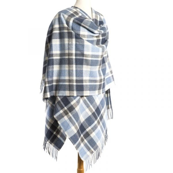 Lambswool Cape White Navy Blue Check