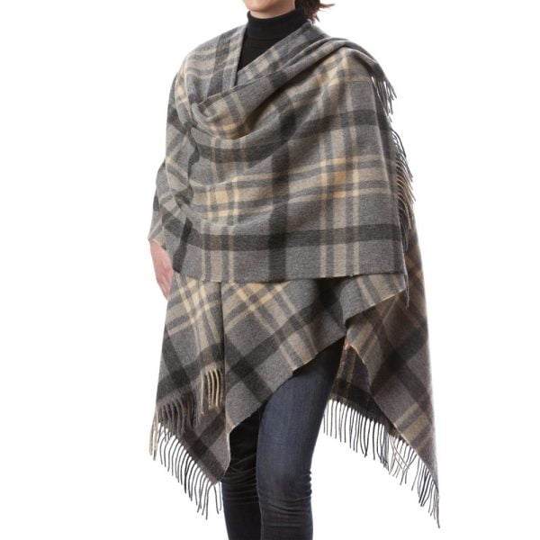 Lambswool Cape Grey Beige Check