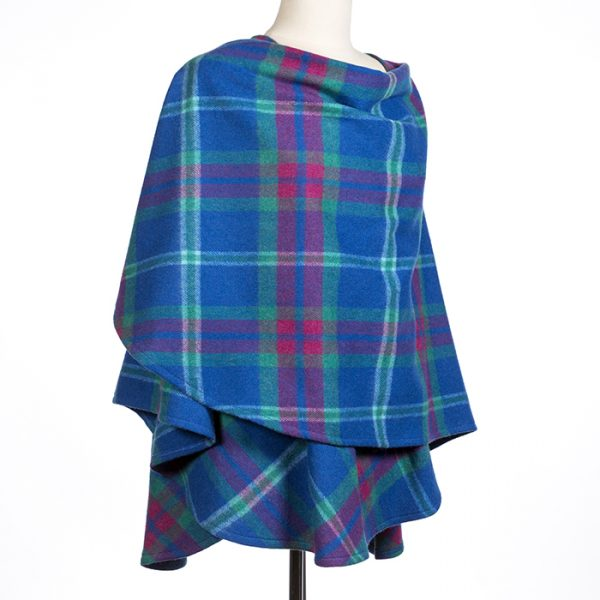Lambswool Cape Blue Pink Plaid